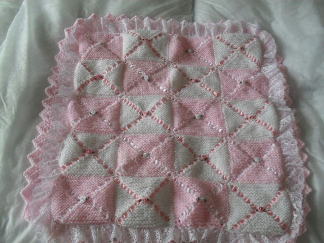 DOUBLE LAYER PRAM BLANKET KNITTING PATTERN