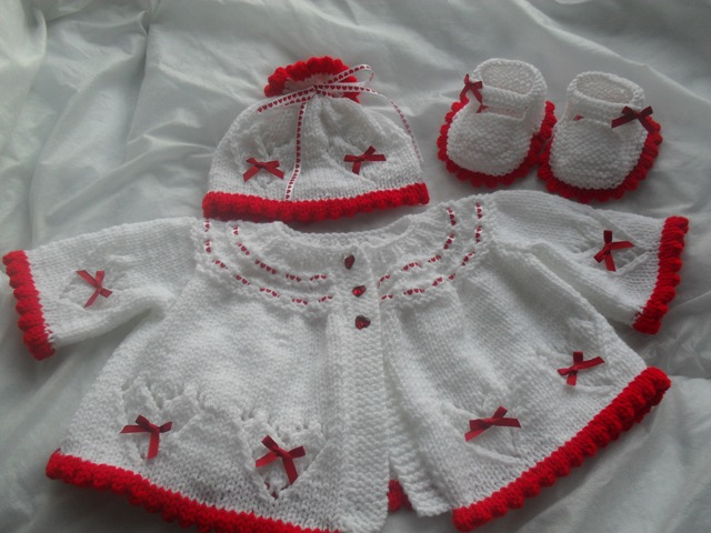 HEARTS AND BOWS BABY OR REBORN KNITTING PATTERN