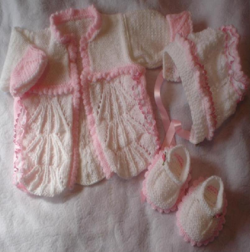 SHELL AND BOWS COAT & BONNET BABY OR REBORN KNITTING PATTERN